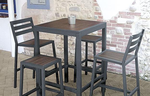 Barbord for utendørs bruk og utemøbler fra Sitting Scandinavia