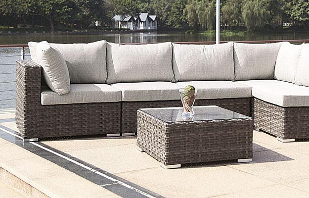 Sofagrupper for utendørs bruk og utemøbler fra Sitting Scandinavia