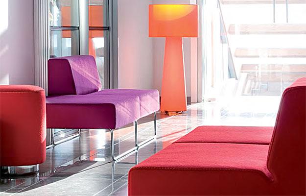 Møbler og interiør for konferanserom og offentlig miljø fra Sitting Scandinavia